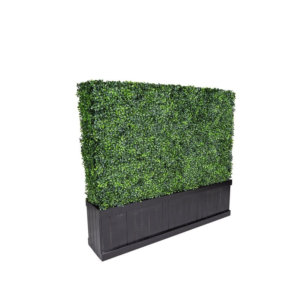 Short Green Hedge Wall